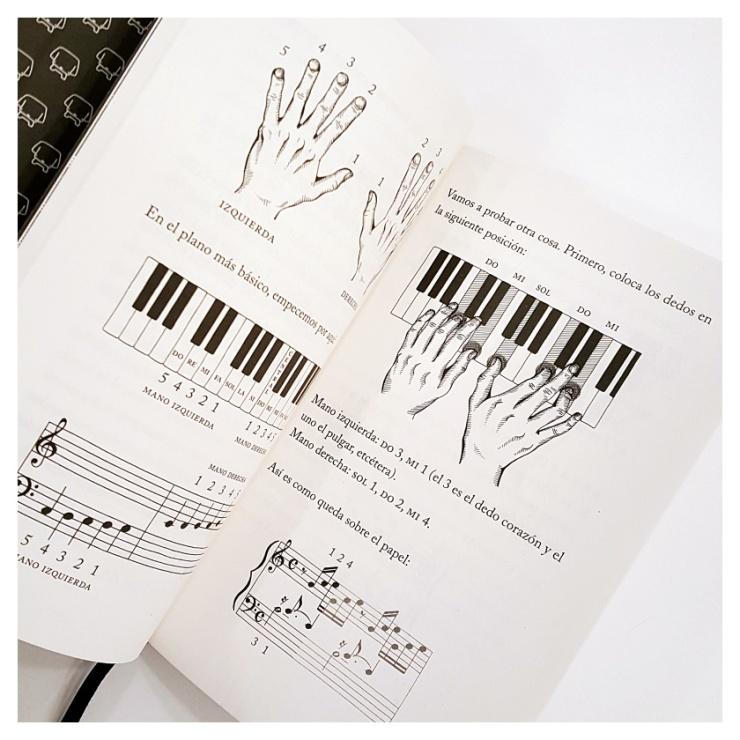 detalle-interior-libro-toca-el-piano